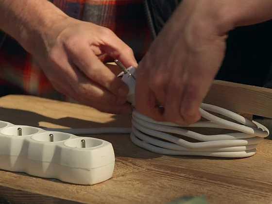 Vyrobte si držák na kabely (Zdroj: Prima DOMA)