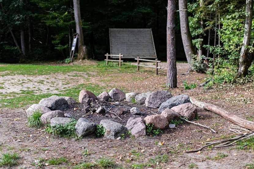 Klasické venkovní ohniště pro táboráky