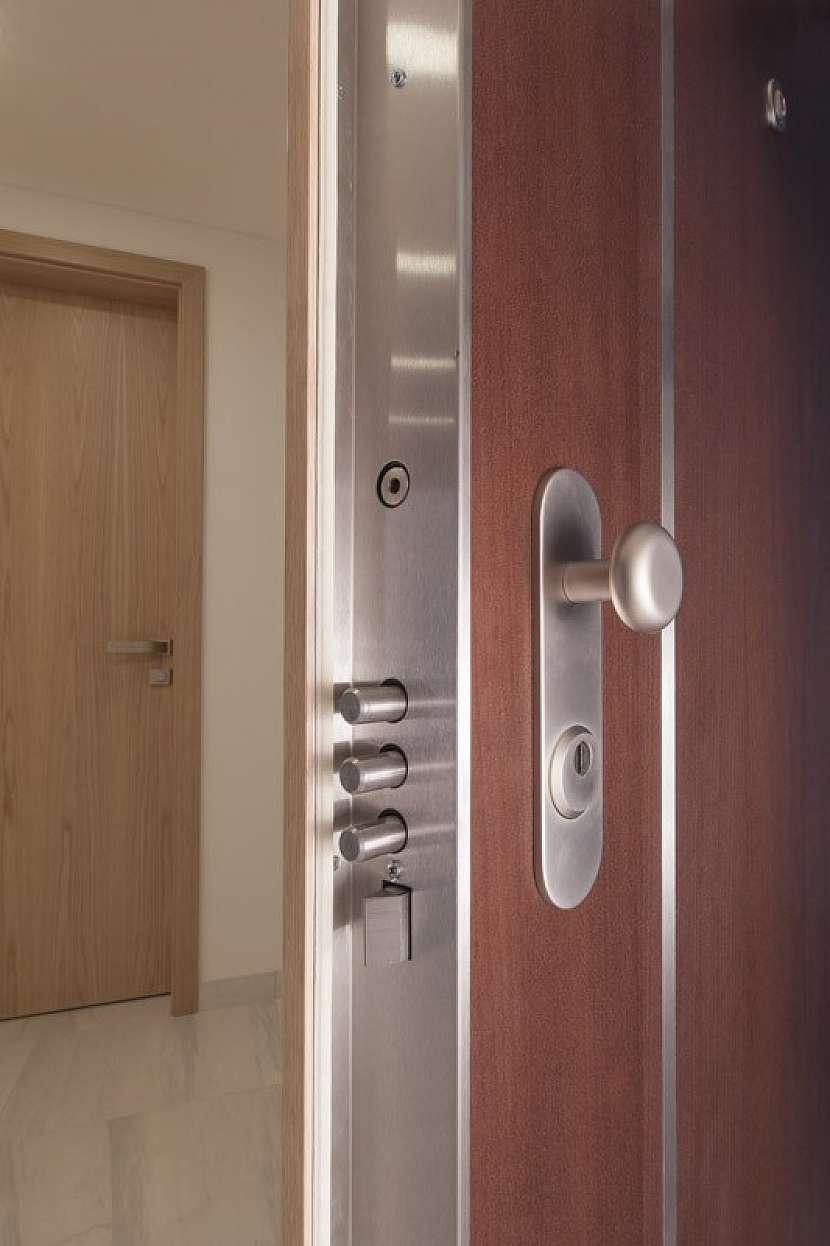 Renovace a zabezpečení původních dveří