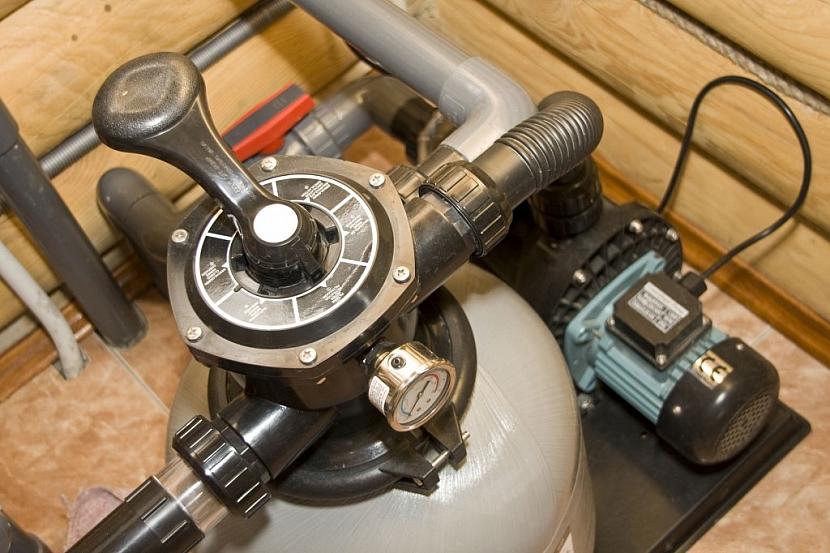 Odstavte a vysušte vodní filtrační systém