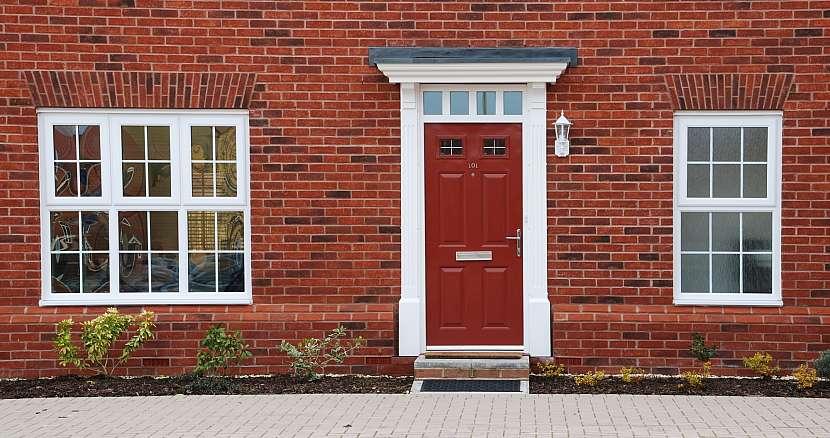 Vstupní dveře do domu