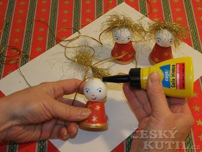 Závěs s andělíčky - výroba dekorace