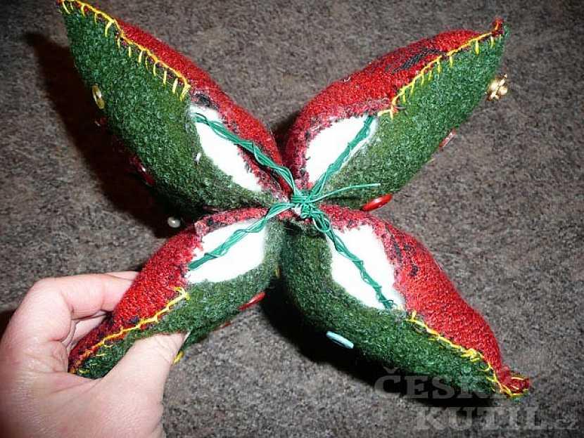 Stromeček, který neopadá aneb Šitý vánoční stromeček