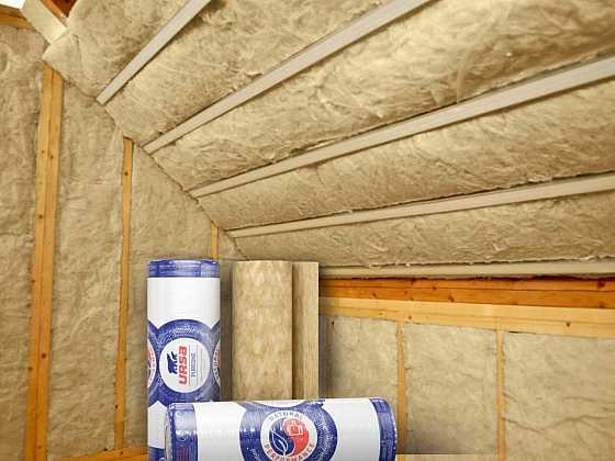 Zateplením střechy můžeme docílit až 30% úspor za vytápění (Zdroj: URSA)