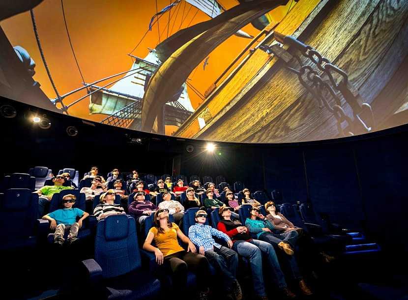 iQLANDIA zve na Hlavolámání, nový film i mega narozeninovou oslavu