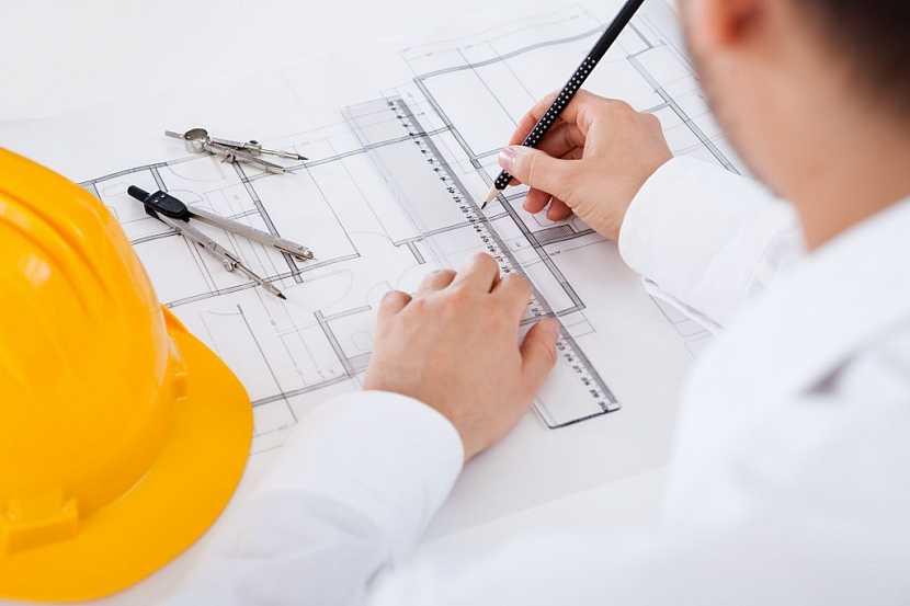 Každá hrubá stavba začíná nejprve na papíře u architekta