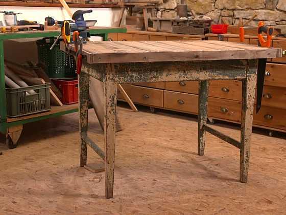 Starý stůl nevyhazujte, dobře poslouží jako pracovní ponk (Zdroj: Prima DOMA)
