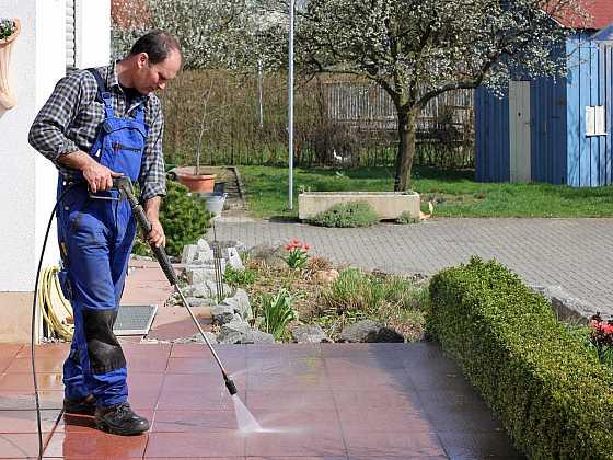 Obnovte zašlý lesk zámkové dlažby (Zdroj: Depositphotos)