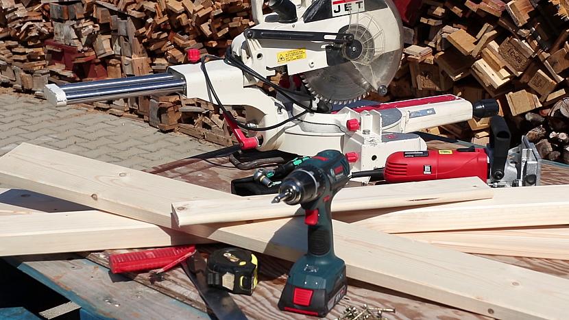Dřevo, nástroje