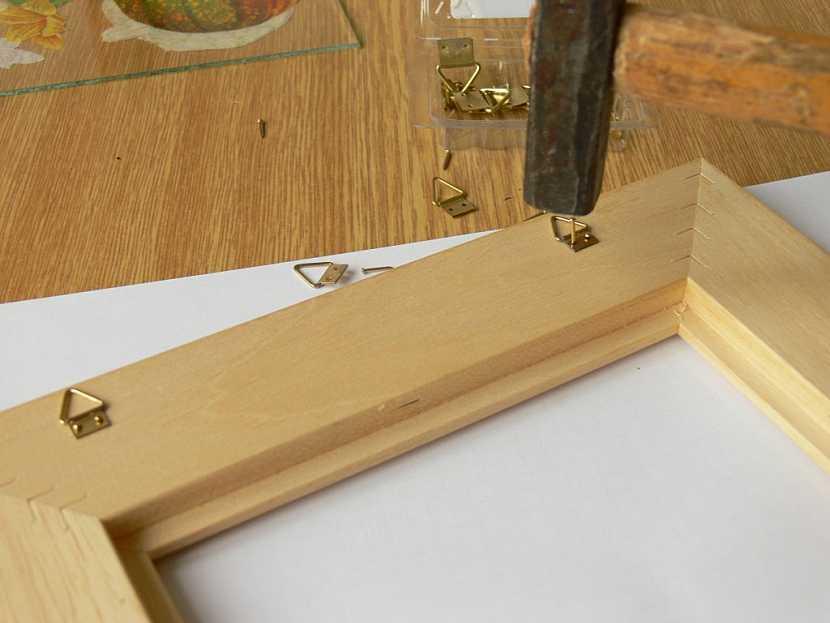 Jak vyrobit věšák na klíče – obrázek s rámečkem
