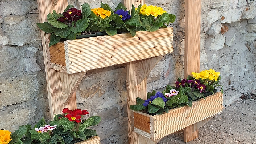 Zahrádka na stojato: truhlíky osázíme rostlinami