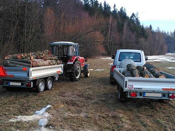 Přívěs pro automobil dnes zapojíte i za traktor (Zdroj: Vezeko)
