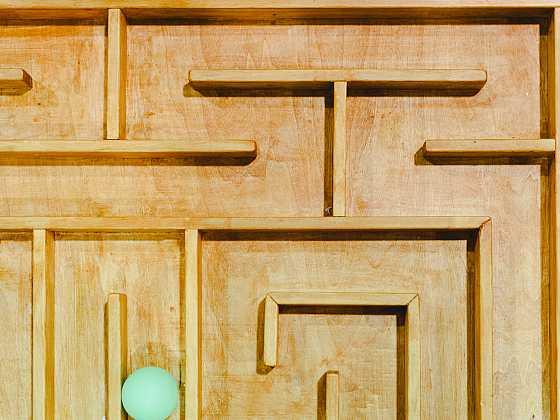 Dřevěný labyrint (Zdroj: Depositphotos)