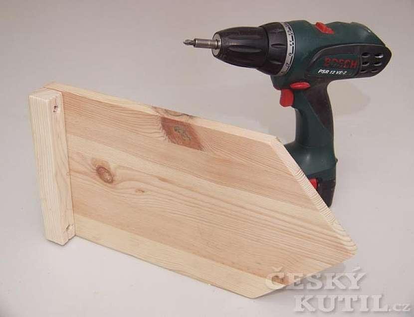 Výroba dřevěné tabulky na vzkazy