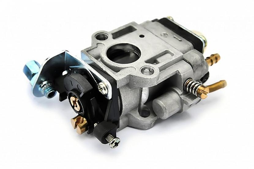 Špatnou kvalitu benzinu odnese nejčastěji karburátor