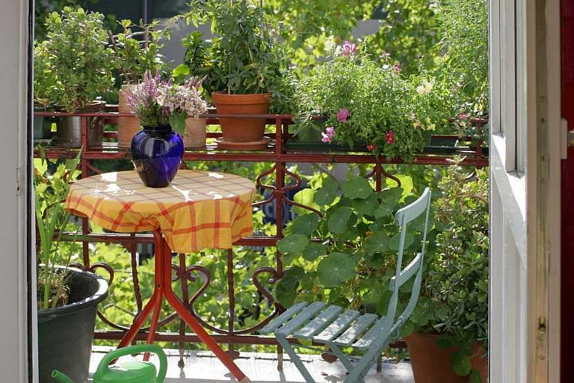 Skládací nábytek na malý balkón
