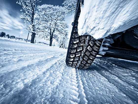 Jaká by měla být výbava automobilu na zimu? (Zdroj: Depositphotos)
