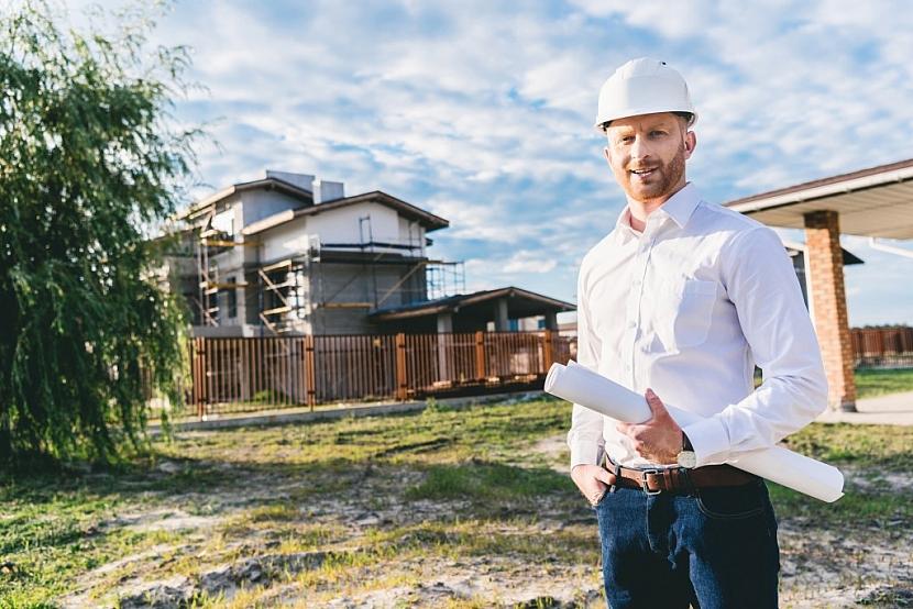 S výstavbou nebo rekonstrukcí domu se založení trávníku nevyhneme