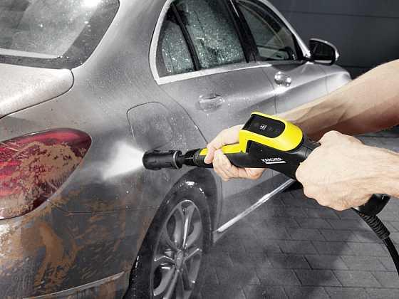 Raději si čistíte své auto sami?