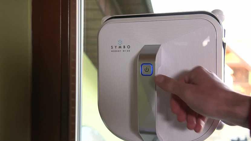 puštění robotického čističe oken