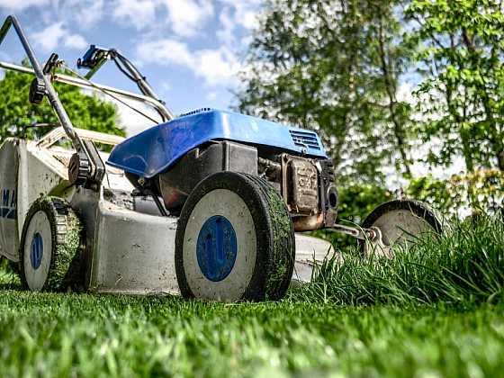 Spolehlivý brigádník i výpomoc na zahradu či do domácnosti – to vše umí nový projekt Ideální brigáda