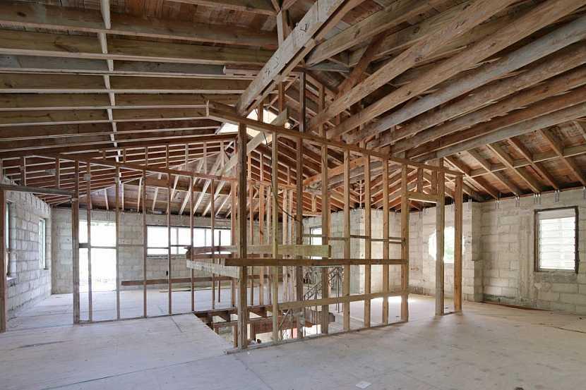 Suchá podlaha se hodí především do dřevostaveb
