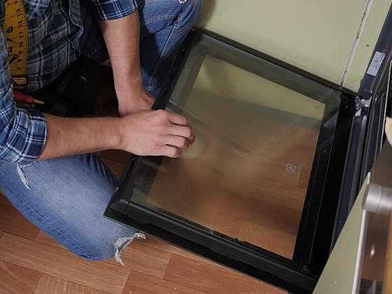 Čistění skla u trouby nevyžaduje vždy jen sílu a námahu, zkuste osvědčené tipy (Zdroj: Prima DOMA MEDIA, s.r.o.)