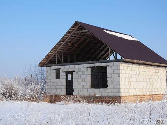 Je možné provádět stavební práce v zimě? (Zdroj: Depositphotos)