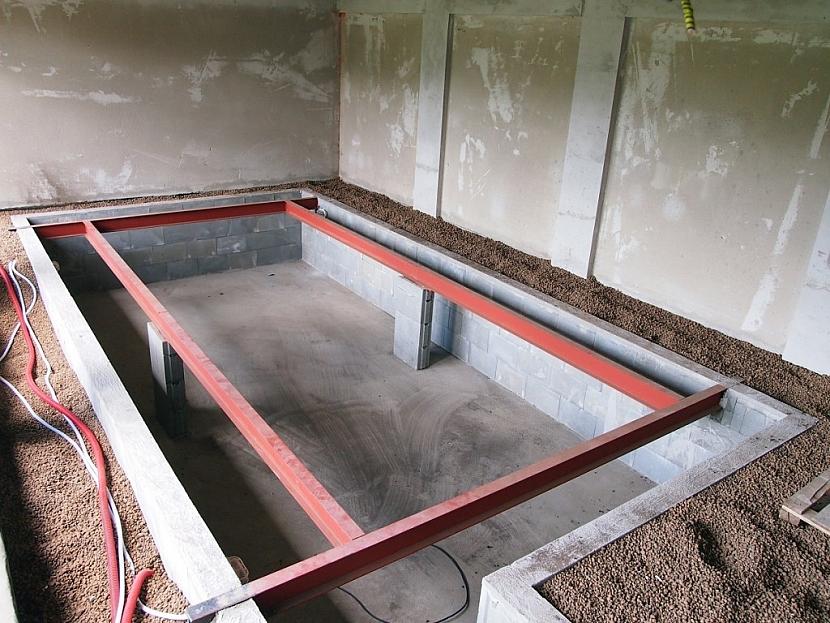 Takto vypadá interiérový bazén izolovaný a obsypaný Liaporem