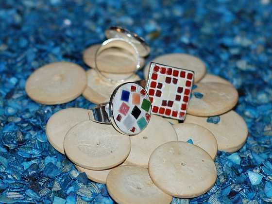 Prsten s minimozaikou