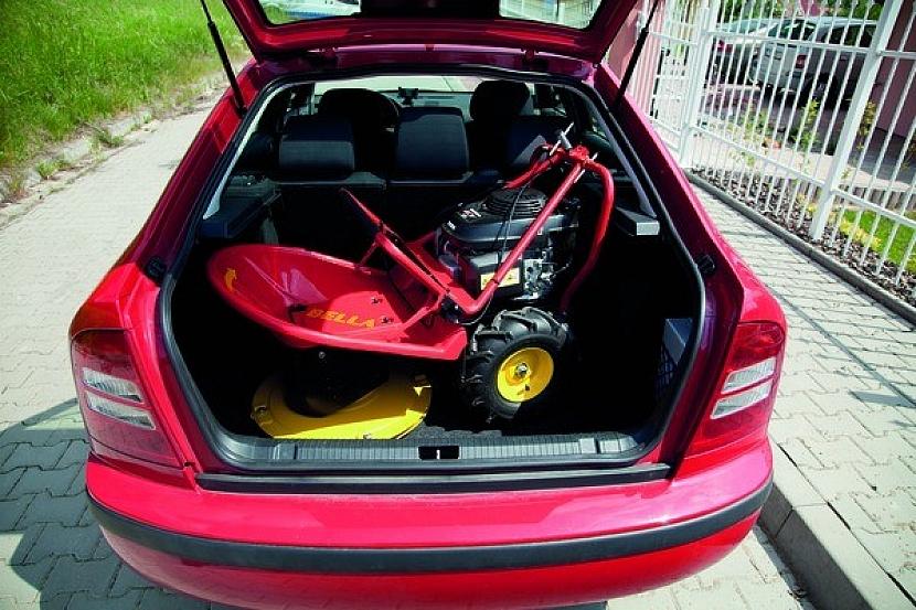 """""""Bubnové sekačky jsou překvapivě skladné – lze je bez problémů převážet i v běžném autě""""; foto: Mountfield"""