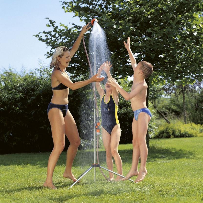 Zahradní sprchy: všude dobře, u vody nejlépe