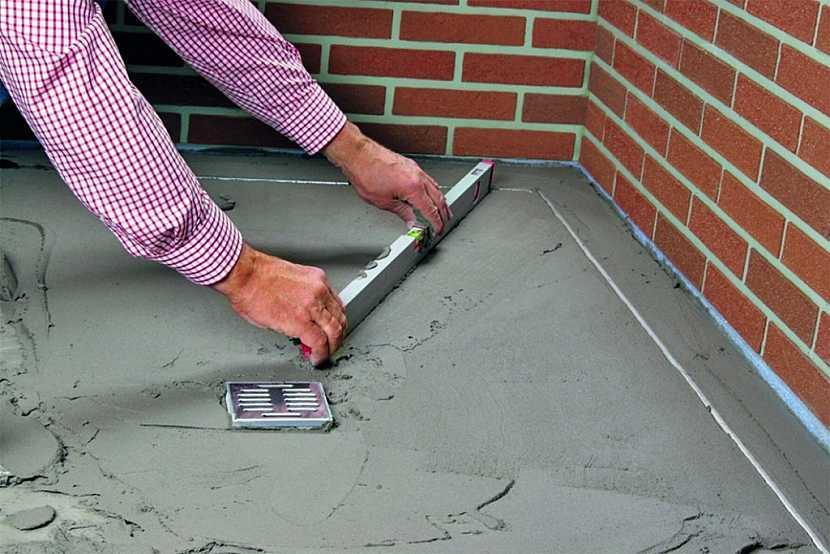 Spádování balkónu tenkovrstvým betonem