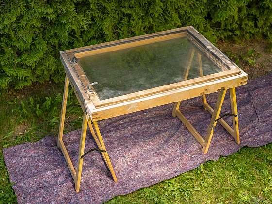 Stará dřevěná okna je třeba občas renovovat (Zdroj: Balakryl)