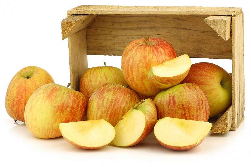 Jablka v bedýnce
