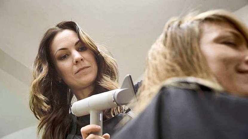 Dobrého kadeřníka si lidé velmi váží