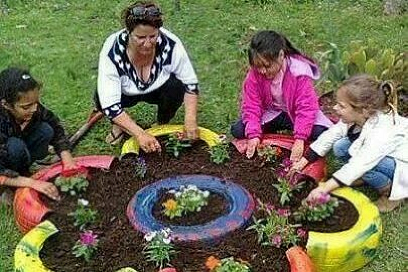 Staré pneumatiky k pobavení dětí i dospělých 3