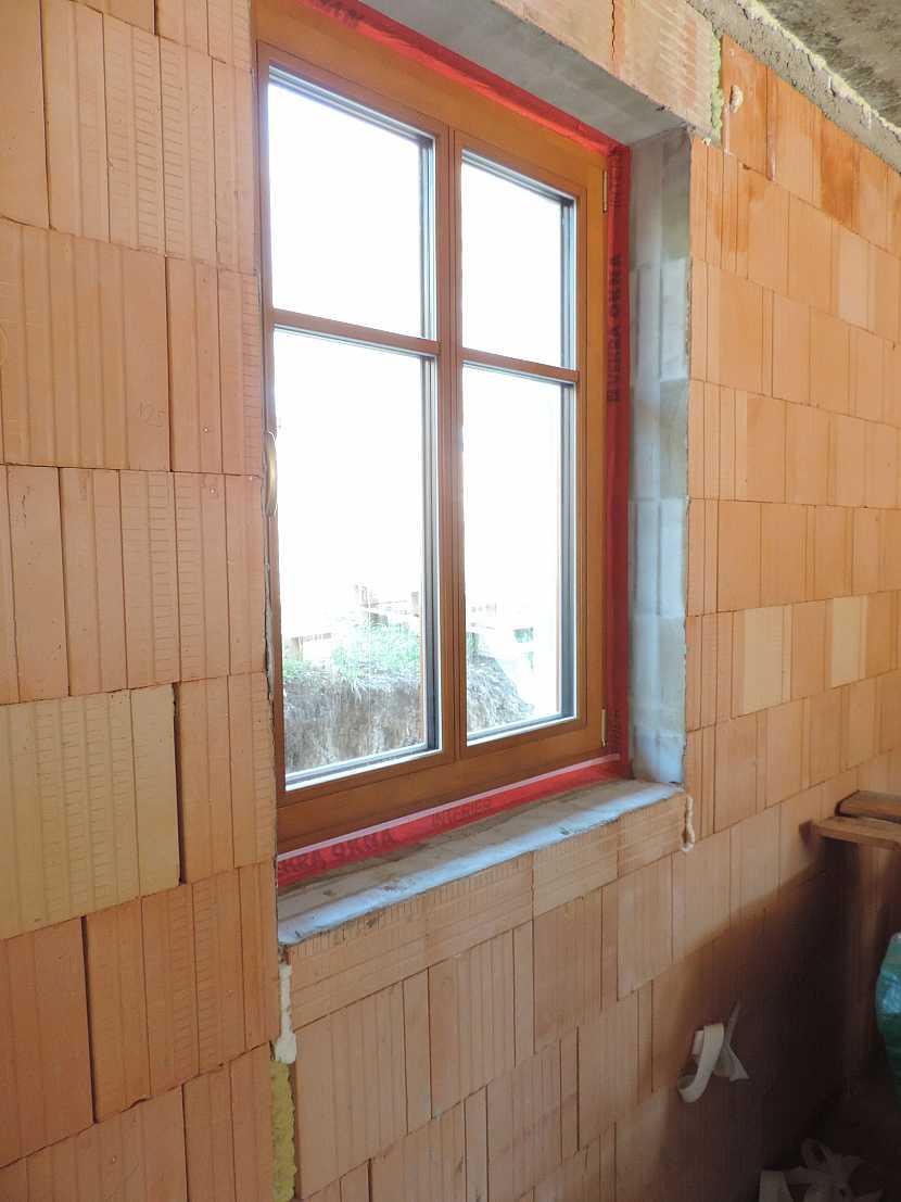 Zapravené okno do stěny