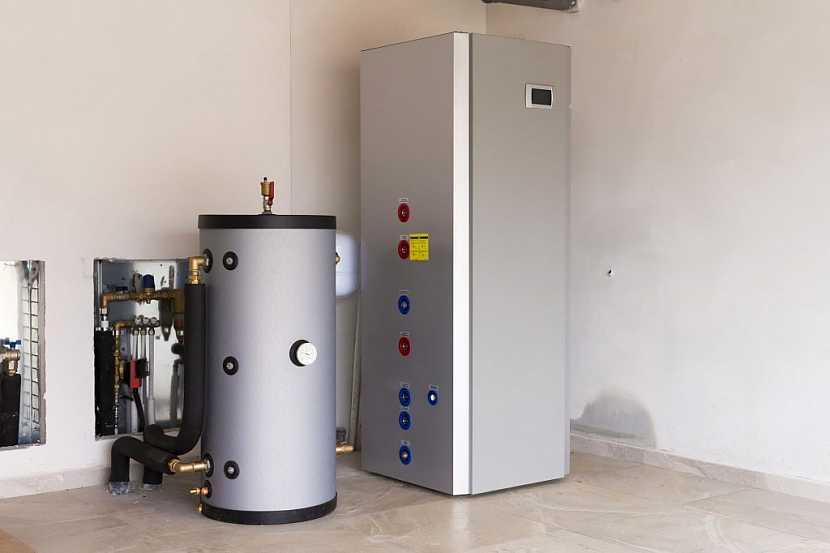 Vnitřní jednotka a akumulační nádrž tepelného čerpadla vzduch - voda