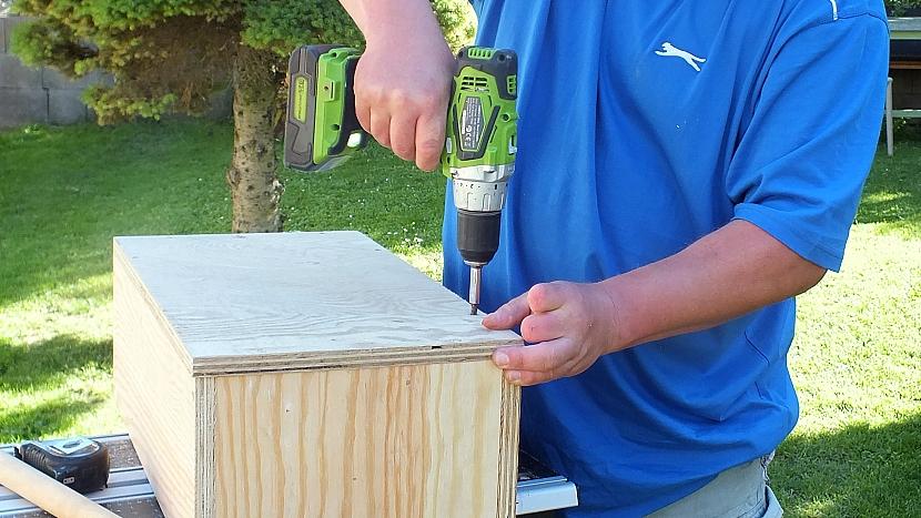 Jak si vyrobit šikovné nosítko na často používané nářadí 4