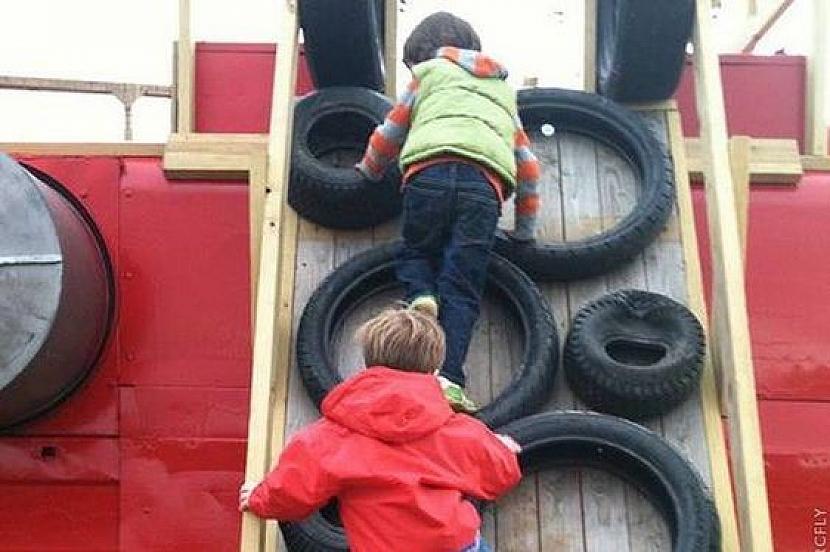 Staré pneumatiky k pobavení dětí i dospělých 4