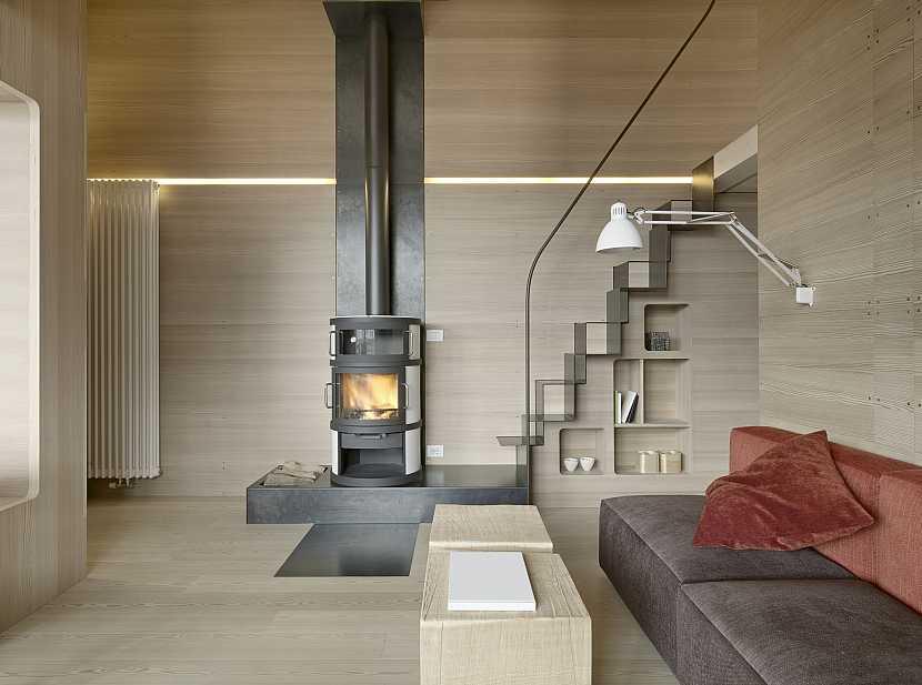 Dřevem obložená místnost