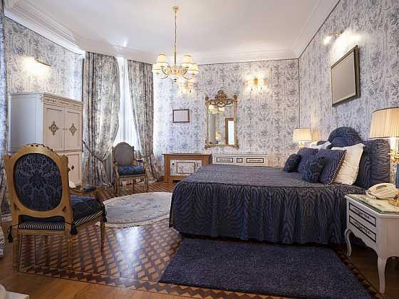 Světlo do ložnice by nemělo být jenom jedno (Zdroj: Depositphotos)