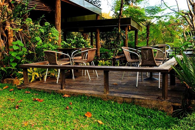 Základem zazimování terasy je uschování nábytku