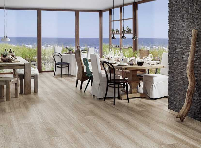 Plovoucí podlaha není pevně spojena s podkladem, ani se svislými konstrukcemi stavby