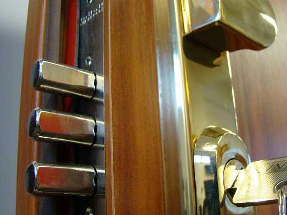 Bezpečnostní dveře ve veřejných provozech - 2. díl