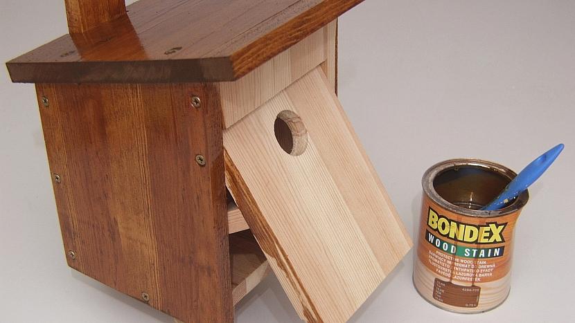 Budka pro ptáčky: povrchová úprava