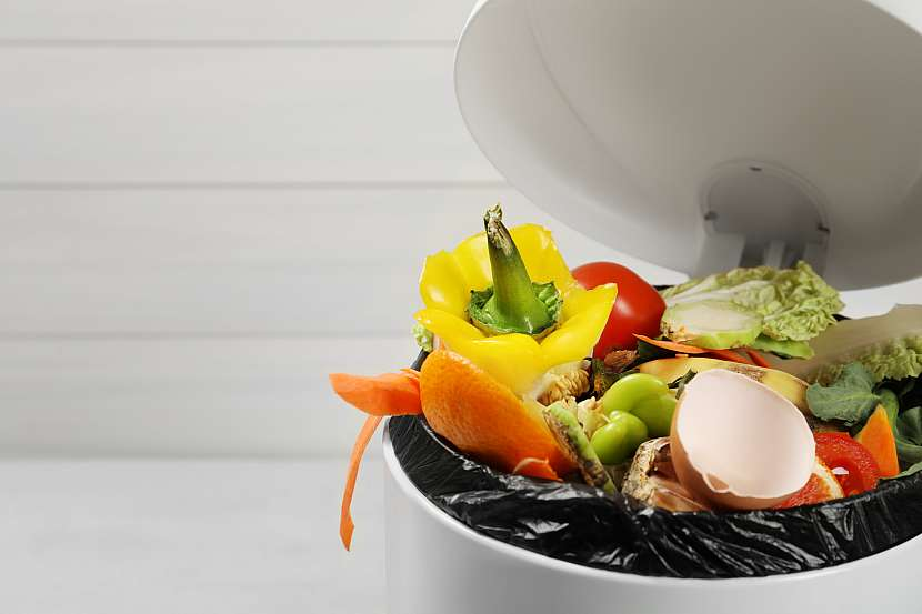 Bokashi kompostér funguje anaerobně s pomocí speciální směsi bakterií