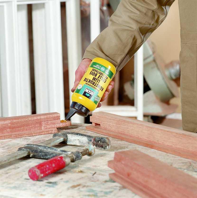 Lepení a opravy dřeva v exteriérech a interiérech