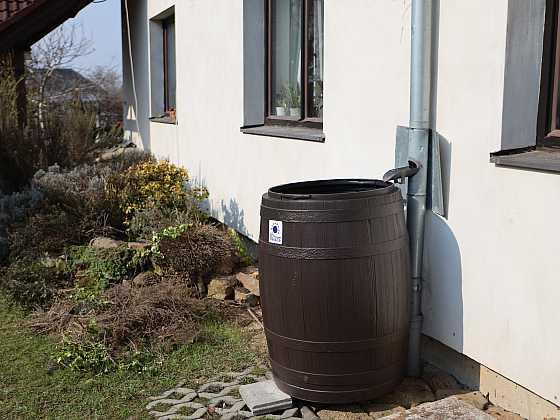 Ekonomicky, ekologicky i stylově využívejte dešťovou vodu v zahradě (Zdroj: Prima DOMA)